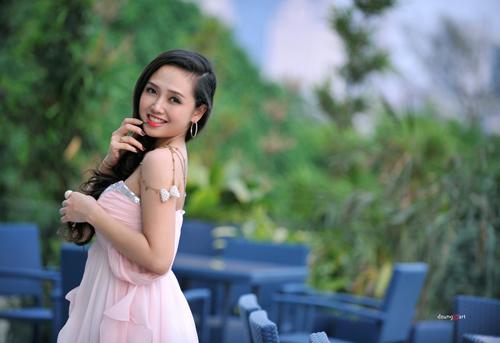 MC Ngọc Trang quyến rũ với váy maxi - 10