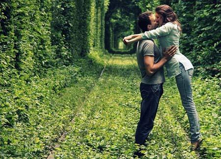 Những con đường tình yêu đẹp ngỡ ngàng trên thế giới - 10