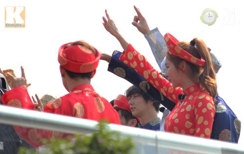 Kim Hyun Joong mặc áo dài Việt Nam - 5