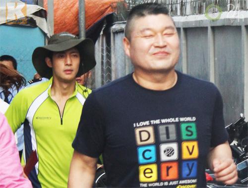Kim Hyun Joong mặc áo dài Việt Nam - 10