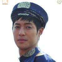 Kim Hyun Joong mặc áo dài Việt Nam
