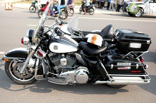 Độc dược Harley Police độ sidecar tại Việt Nam - 2