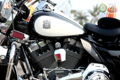 Độc dược Harley Police độ sidecar tại Việt Nam - 4
