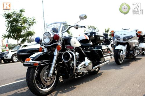 Độc dược Harley Police độ sidecar tại Việt Nam - 1