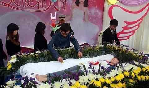 TQ: Nữ sinh tự tổ chức đám tang cho mình - 3