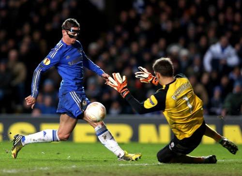 Benitez tâng Torres, chê trọng tài - 1