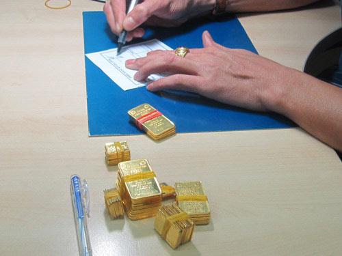 Đấu thầu vàng phiên 3: Giá ổn định - 1