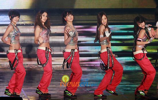 Khoảnh khắc sexy nhất của mỹ nhân K-Pop - 9