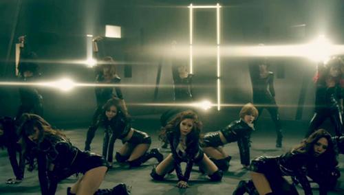 Khoảnh khắc sexy nhất của mỹ nhân K-Pop - 10