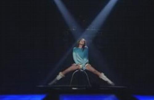Khoảnh khắc sexy nhất của mỹ nhân K-Pop - 18