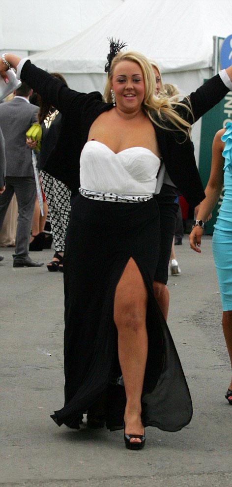 Quý cô quá khích tại lễ hội thời trang - 20