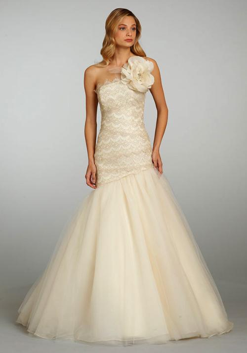 Đầm cưới tôn vòng eo đẹp cho cô dâu - 11