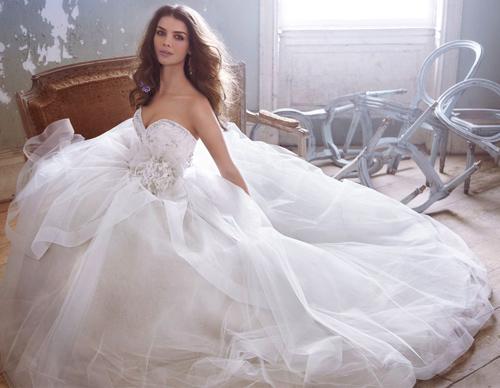 Đầm cưới tôn vòng eo đẹp cho cô dâu - 1