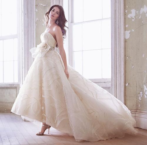 Đầm cưới tôn vòng eo đẹp cho cô dâu - 3