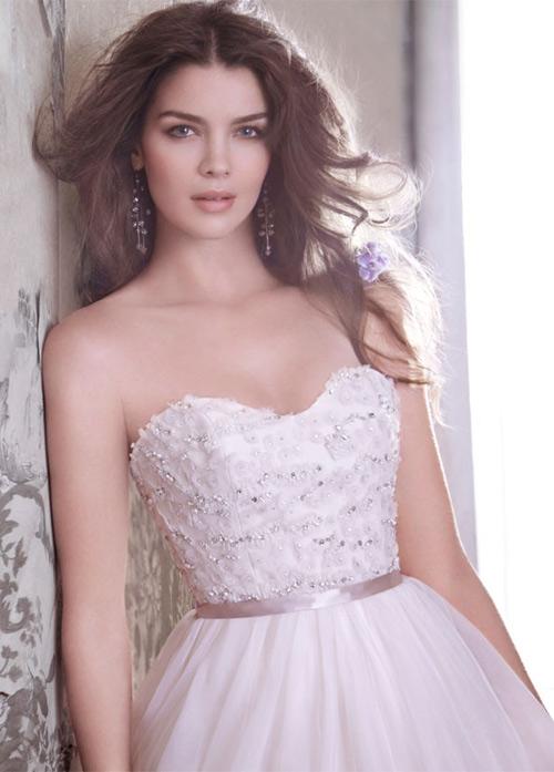 Đầm cưới tôn vòng eo đẹp cho cô dâu - 6
