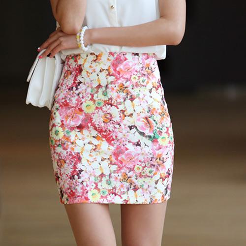 """Váy hoa """"xu nịnh"""" nữ công sở ngày Hè - 14"""