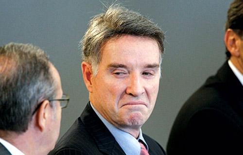 Tỷ phú Brazil đánh mất 25 tỷ USD/năm - 1