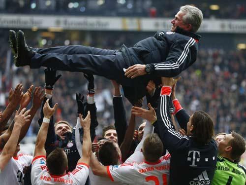 Khoảnh khắc Bayern vô địch sớm Bundesliga - 8