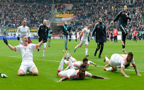 Khoảnh khắc Bayern vô địch sớm Bundesliga - 7