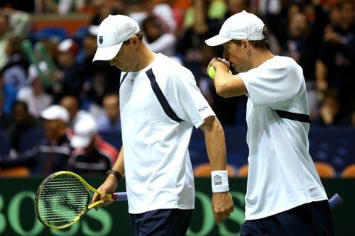Davis Cup: Serbia có lợi thế lớn - 1