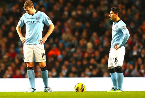 Man City: Đua với MU không chỉ cần tiền - 1