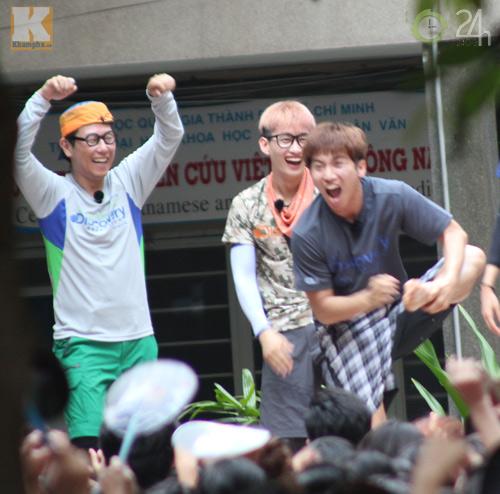 Dàn sao Hàn nhảy điên cuồng cùng fan Việt - 13