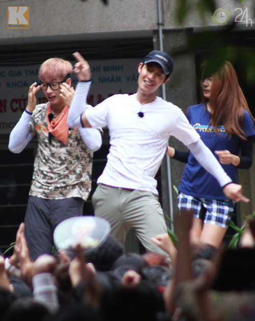 Dàn sao Hàn nhảy điên cuồng cùng fan Việt - 14