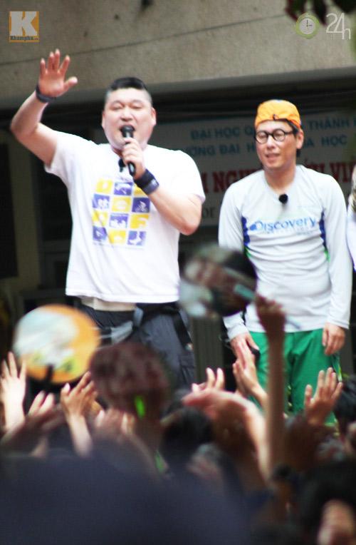Dàn sao Hàn nhảy điên cuồng cùng fan Việt - 15