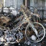 Tin tức trong ngày - Cảnh hoang tàn sau vụ cháy 1.000 xe