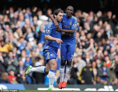 Chelsea thắng xấu xí, Benitez vẫn hài lòng - 1