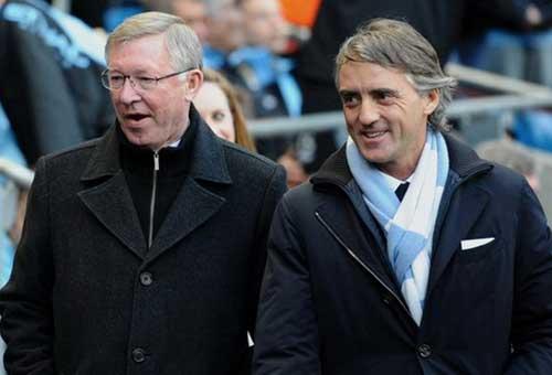 """Schmeichel nâng Sir Alex, """"dìm"""" Mancini - 2"""