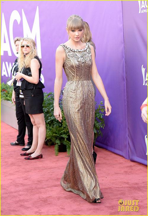 Taylor Swift đẹp như nữ thần - 3