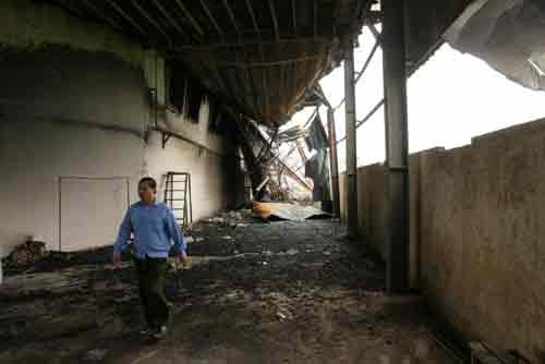 Đền bù hơn 1.000 xe máy bị cháy của công nhân - 2