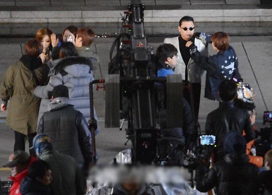 1,5 tỷ người xem và MV mới của Psy - 15