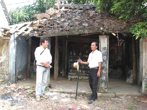 Ngôi miếu cổ giữa làng chài Nam Ô - 1