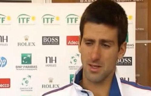 Djokovic rớt lệ vì chấn thương - 2