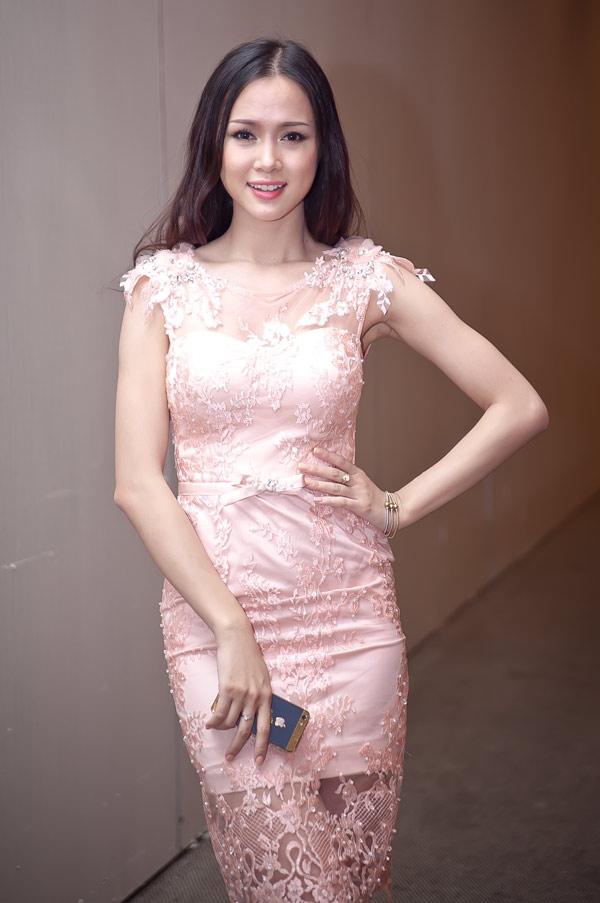 Ngọc Anh xinh đẹp ở Sài Gòn - 1