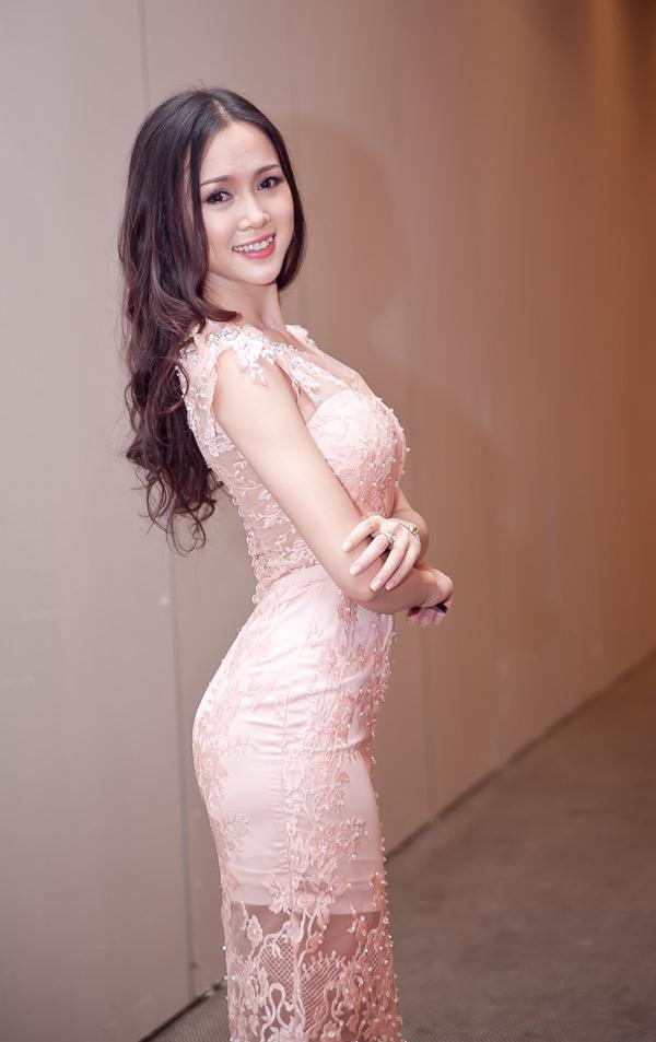 Ngọc Anh xinh đẹp ở Sài Gòn - 2