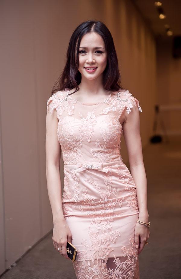 Ngọc Anh xinh đẹp ở Sài Gòn - 4