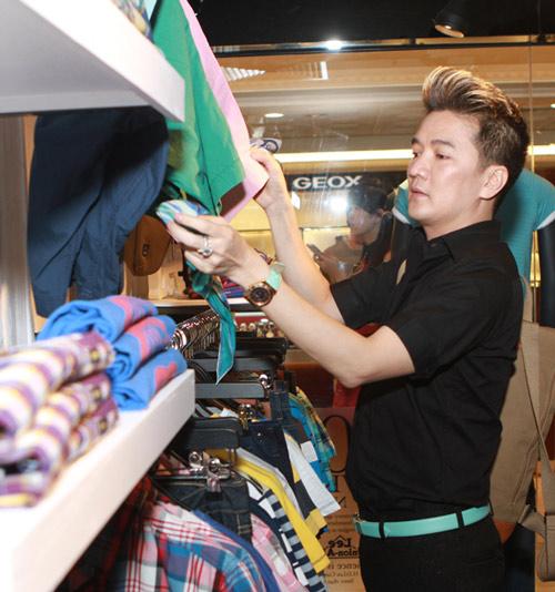 Mr Đàm đi mua sắm cùng con gái Mỹ Linh - 5