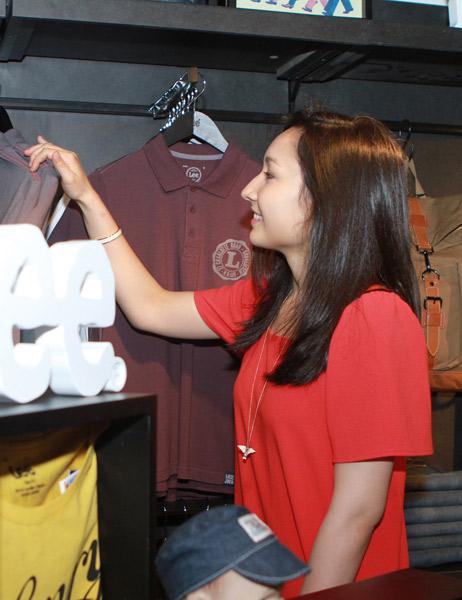 Mr Đàm đi mua sắm cùng con gái Mỹ Linh - 8