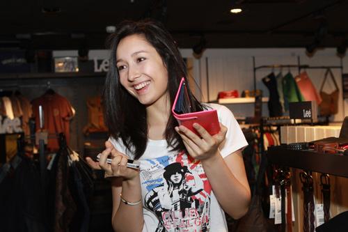 Mr Đàm đi mua sắm cùng con gái Mỹ Linh - 14
