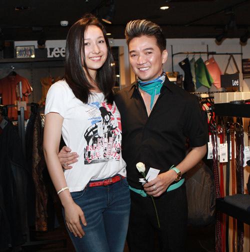 Mr Đàm đi mua sắm cùng con gái Mỹ Linh - 17