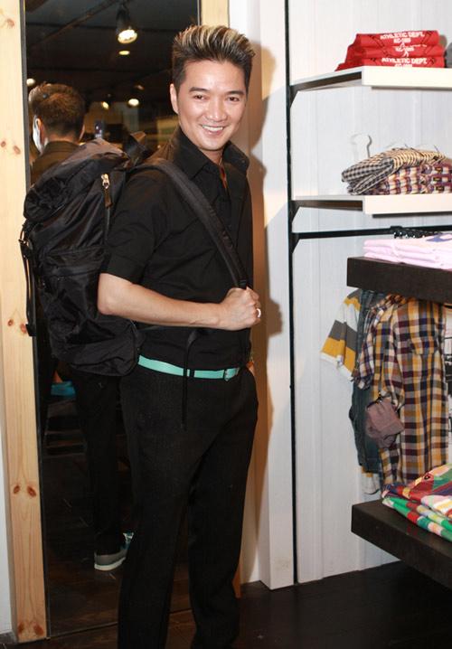 Mr Đàm đi mua sắm cùng con gái Mỹ Linh - 4