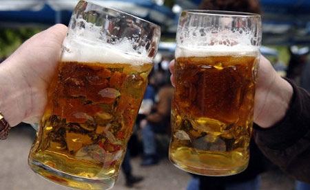 Đức: Phát hiện thạch tín trong bia, Tin tức trong ngày, bia nhiem thach tin, bia duc, bia, thach tin, bia nhiem doc, nuoc uong, tao cat, bao, tin tuc, tin hot, tin hay, vn