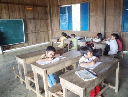Heo hút lớp học Trường Sơn Đông - 1