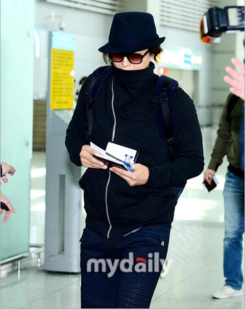 Bae Yong Joon bí mật xuất ngoại - 3