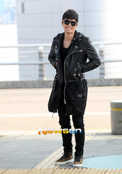 Bae Yong Joon bí mật xuất ngoại - 6