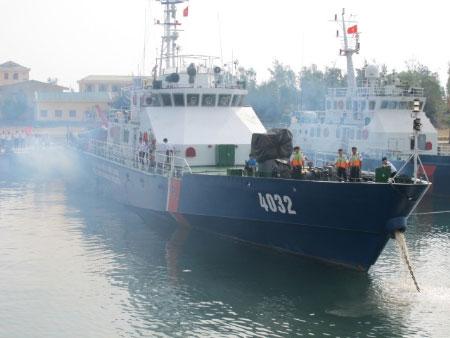 """Cảnh sát biển VN """"truy"""" tàu lạ Biển Đông - 1"""