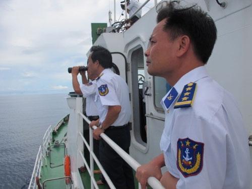 """Cảnh sát biển VN """"truy"""" tàu lạ Biển Đông - 2"""